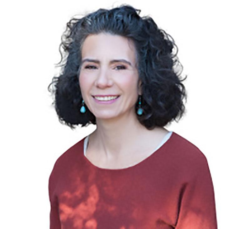 Sarah Karnes headshot 3